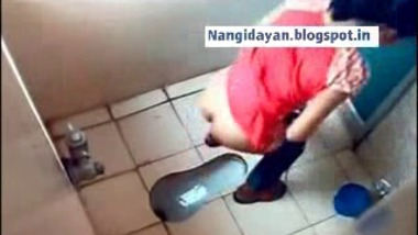 Mumbai Girls get recorded while peeing