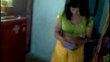 Sheetal bhabi free porn MMS video with colleague