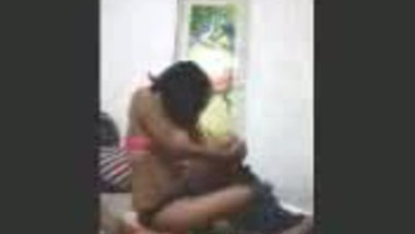 Fsiblog – Desi college kudi first time in lover�s flat