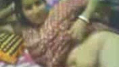 Fsiblog – Bengali bhabi doing sex in broken leg MMS