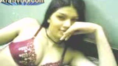 Very Hot Girl In Hotel