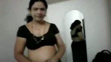Desi Boobs Show Pretty Nude Wife