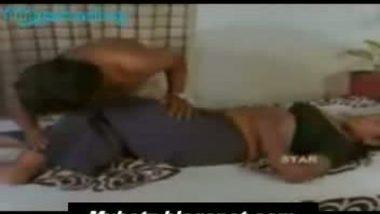 Tamil sexy aunty and mallu boy friend on bed