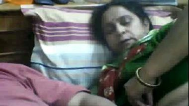 Mature marathi aunty home sex with father-in-law