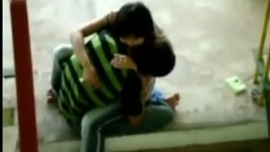 Desi girl outdoor hot scene with lover