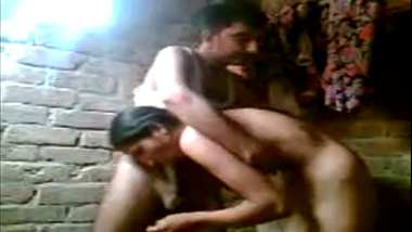 Ranchi desi village couple fuck while bathing!