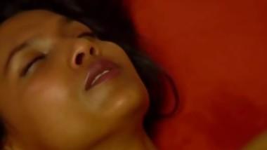 Hot Dark Girl Gets A Very Sensual Massage