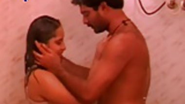 Mallu Reshma With BF Under Shower