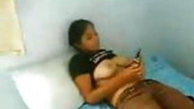 delhi girl hidding face