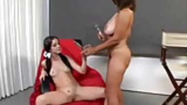Lady Photographer Lesbian With Clint
