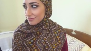 Muslim babe gets drilled and swallows-moorhotcamgirls