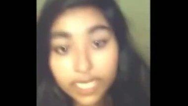 Indian college teen says in hindi seal tunt geyi