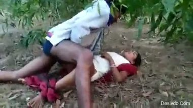 Marathi sexy bhabhi having an outdoor sex