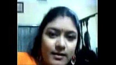 Hot Marwadi aunty stripping off her sari