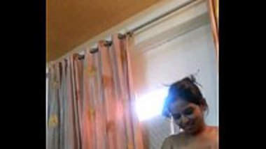 Indian nude dancer caught with a celebrity in a hotel