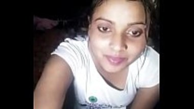 Mallu bhabhi wearing her clothes live on the cam