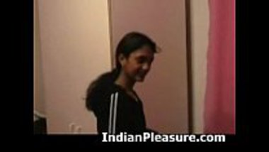 Hot Bhojpuri randi getting banged in a hotel