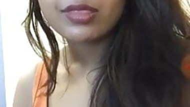 Hot Desi babe on cam