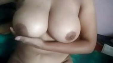 My tamil girlfriend shows her boobs and pussy