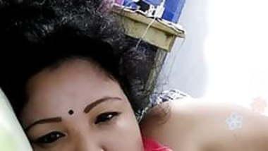 Bengali slut on webcam 2