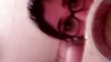 DESI TELUGU GIRL RECORDING FRIENDS NUDE IN BATHROOM