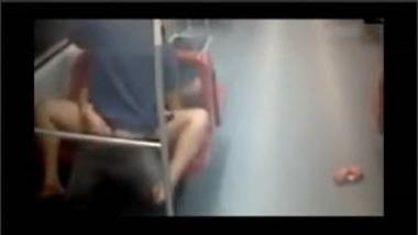 Girl Fucked in Delhi Metro Caught In CCTV