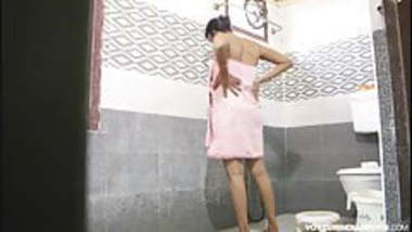 Indian Bhabhi Amrita Taking Shower