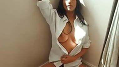 Poonam Pandey getting naked on cam