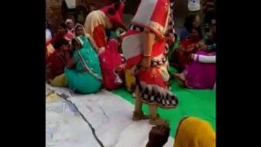Sexy Marwadi Aunty Dancing Showing Boobs