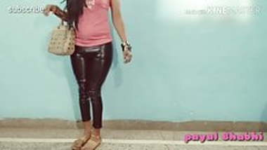 Payal bhabhi in hot tight leggings.