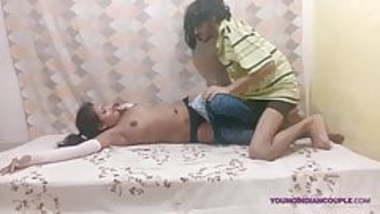 Young Desi Indian School Girl Givign Blowjob Cum Inside Mout