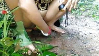 Desi bhabi outdoor sex
