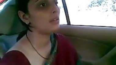 Gujju Indian mom fuck in car