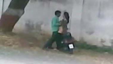 Lyari Karachi Pakistan Side Road Sex Caught From Mobile